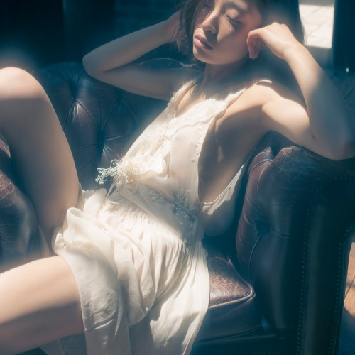 """Catching the light"" A talk with Tokyo based photographer Shuji Kobayashi (nsfw)"